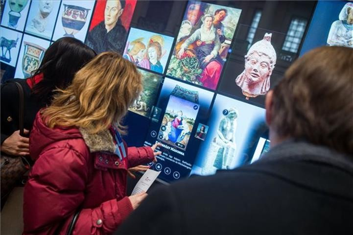 A Szépművészetiben van a világ legnagyobb múzeumi LCD fala