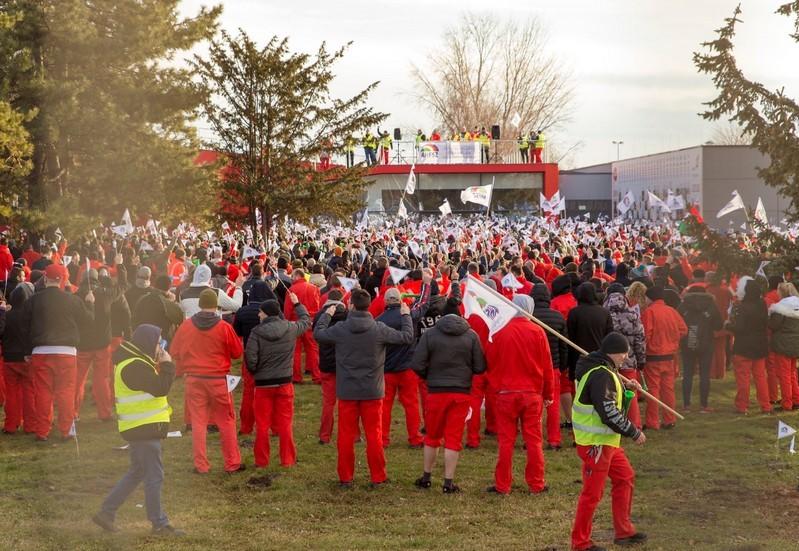 Ilyen ajánlatot tett az Audi - Folytatják a sztrájkot