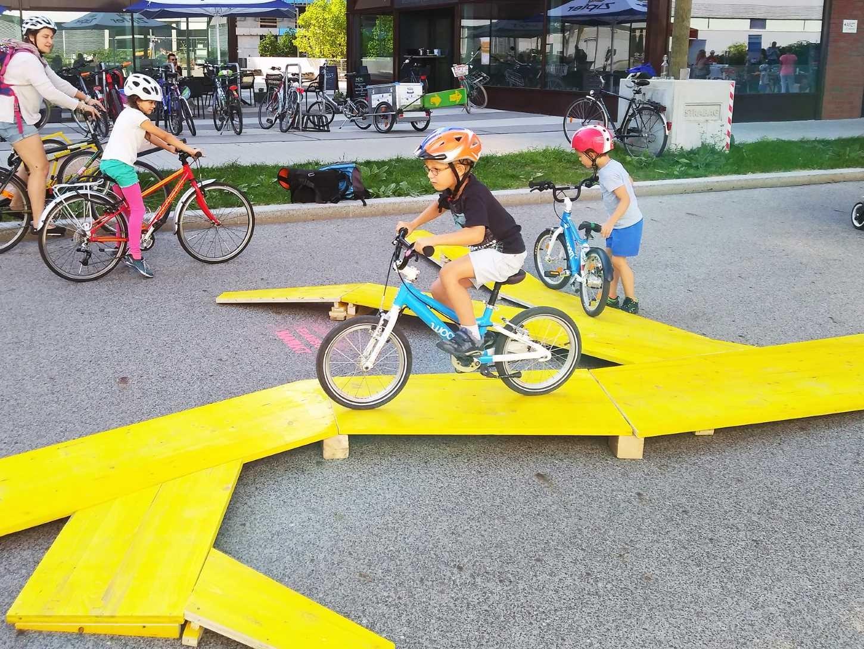 Biciklis játszótéren gyakorolhatják a biztonságos bringázást a bécsi gyerekek