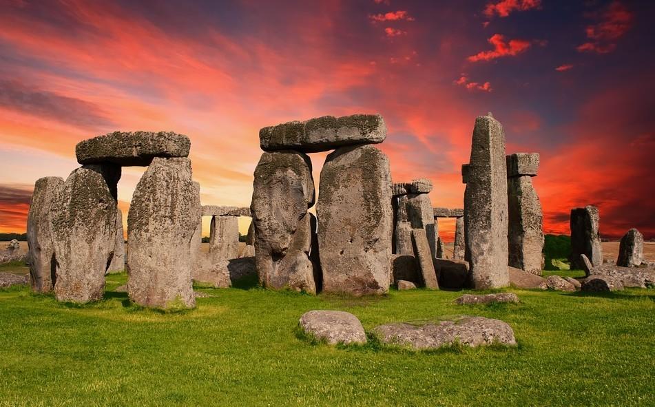 Franciaország mai területéről eredhetnek a Stonehenge-hez hasonló őskori kőemlékek