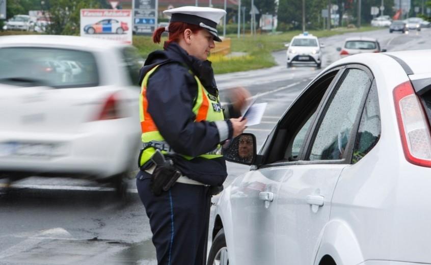 Hétfőtől bekeményít a rendőrség – Erre figyeljen, ha autóba ül