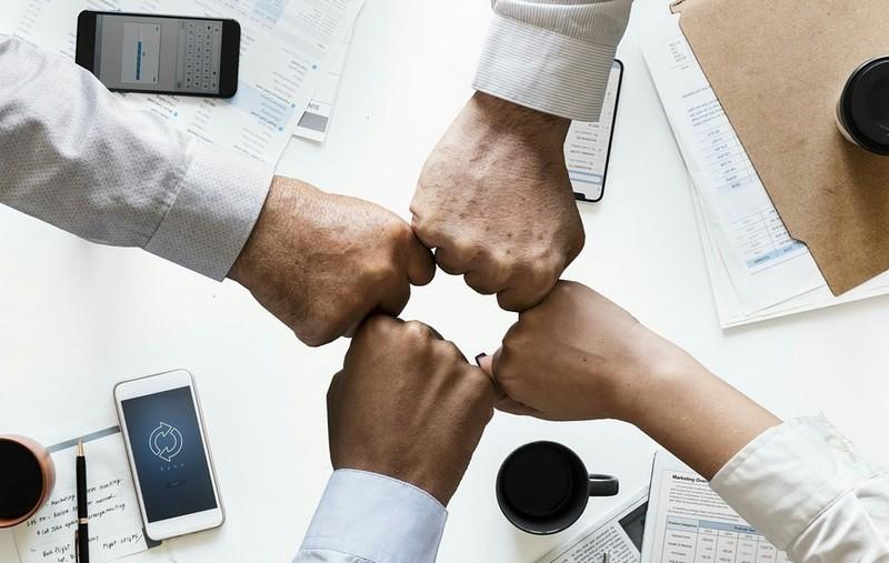 Tovább nőtt a cégalapítási kedv, de csökkent a cégek száma