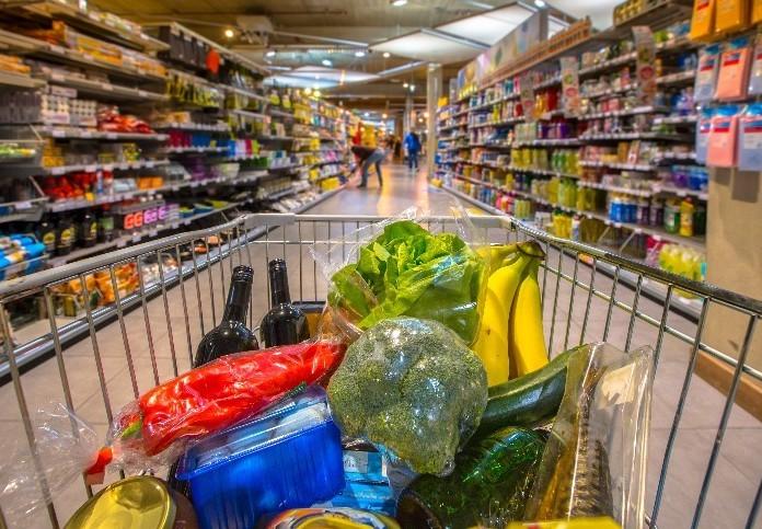 Így változik a boltok nyitva tartása a pünkösdi ünnep előtti napokban