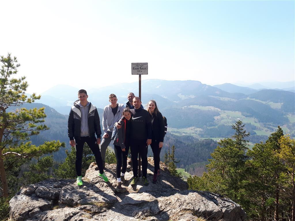 Kezdő lépések hegymászásban - Hohe Wandon jártak a szombathelyi Premontreiek