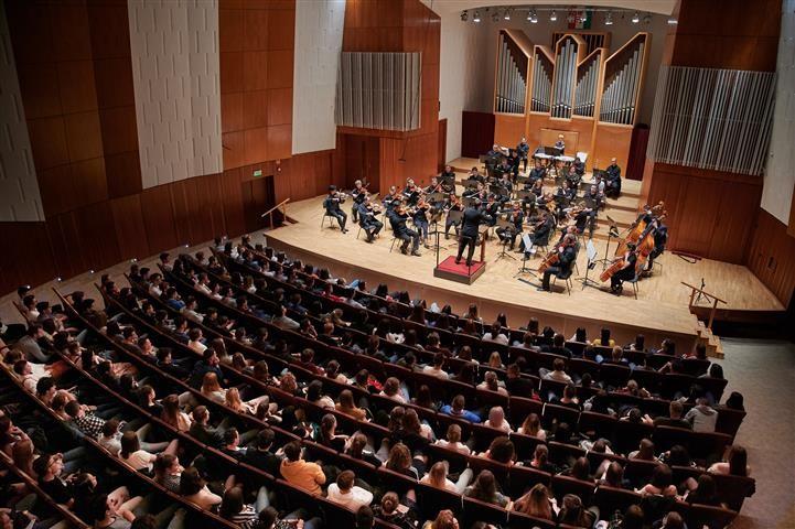 Szimfonikus koncerten jártak a szombathelyi Premontrei diákjai