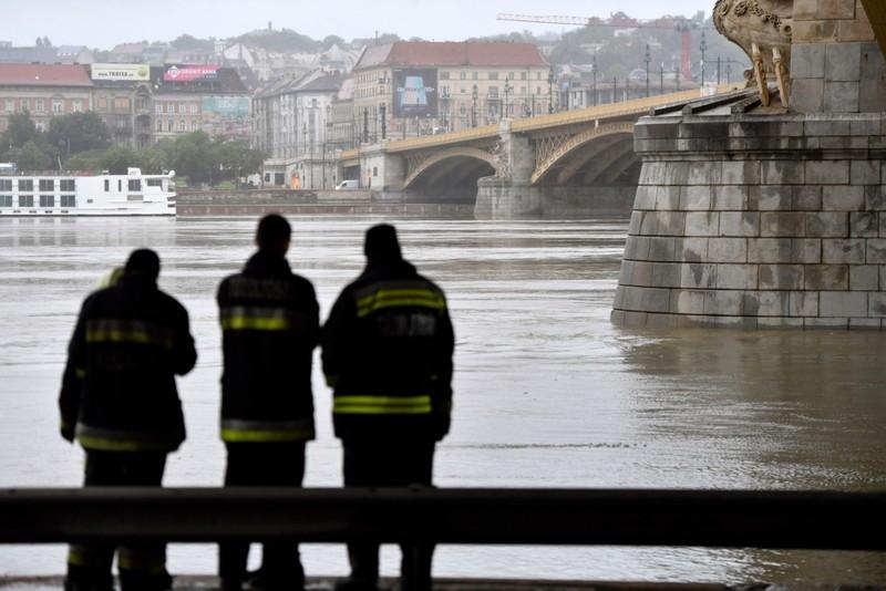 Dunai hajóbaleset - Hét másodperc alatt süllyedt el a turistahajó