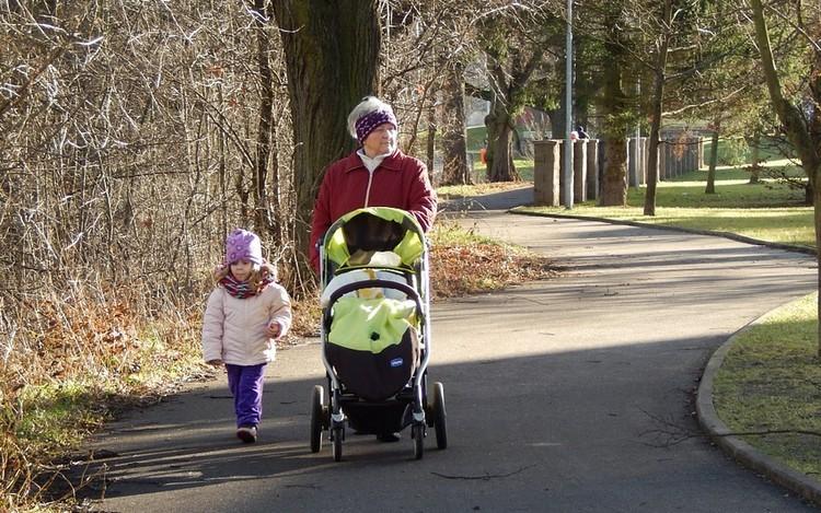 Január 1-től lép életbe a nagyszülői gyed