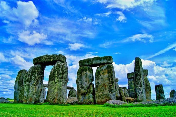Hatvan év után került a helyére a Stonehenge egy eltűnt darabja
