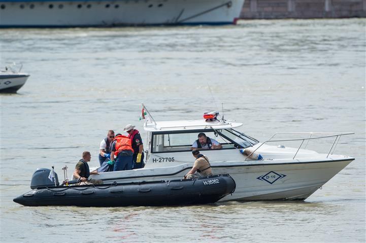 Dunai hajóbaleset - TEK: újabb holttestet találtak a hajóroncsnál