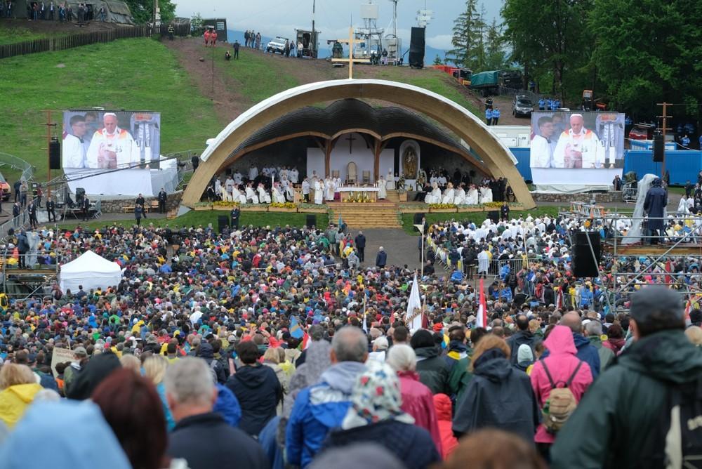 Pápalátogatás - A pápai szentmisére több mint százezren regisztráltak
