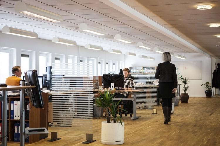 Így csökkenthetjük a mozgásszervi problémák kialakulását az irodában