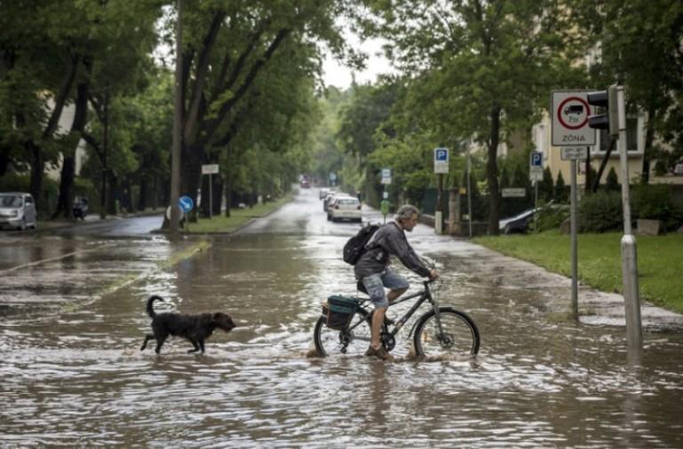 Időjárás - Csütörtökre is figyelmeztetést adtak ki az ország nagy részére