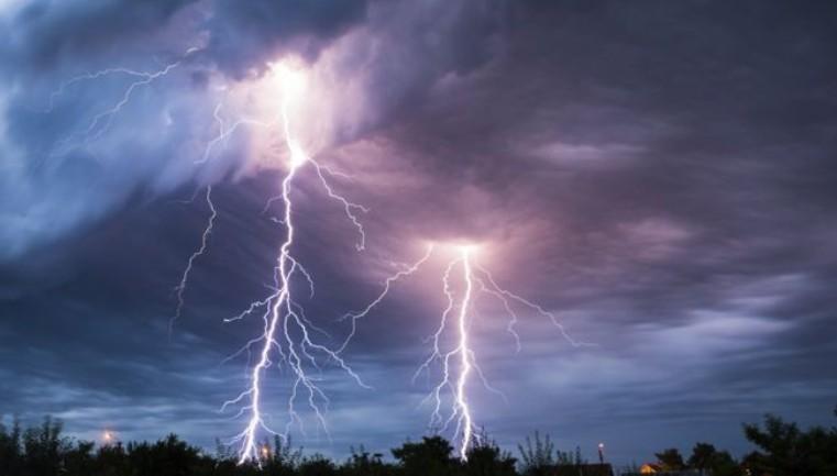 A fél országra figyelmeztetést adtak ki - Friss meteorológiai előrejelzés szerdára