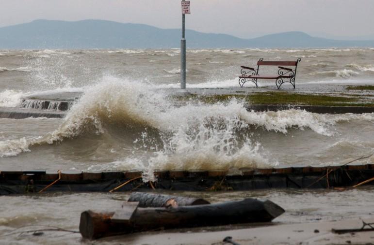 Időjárás-előrejelzés - Zivatarveszély - 12 megyére figyelmeztetést adtak ki keddre