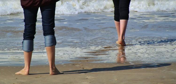 Kólibaktériumot találtak a tengervízben - 23 strandon rendeltek el fürdési tilalmat