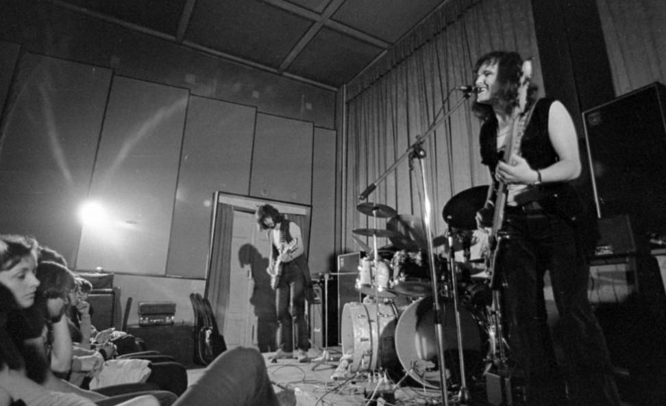 Zenés dokumentumfilm készült Barta Tamásról, az LGT egykori gitárosáról