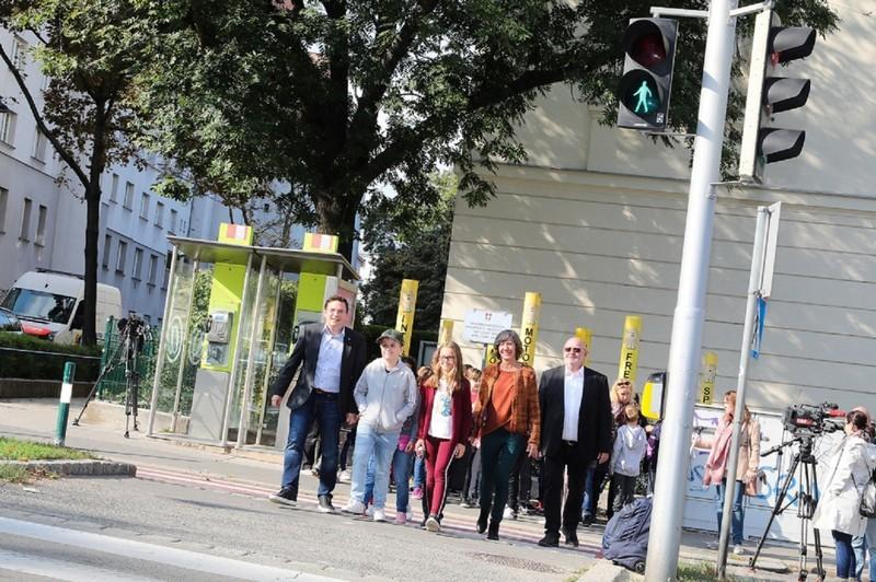 Üzembe helyezték Bécs első okos közlekedési lámpáját
