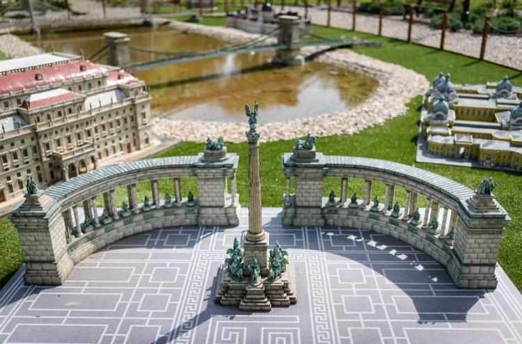 Újabb elemekkel bővül a szarvasi Mini Magyarország Makettpark