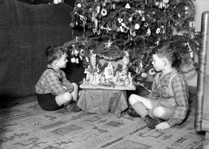 Adventi körkép -  A régi idők karácsonyait élhetik át újra a látogatók az OSZK-ban
