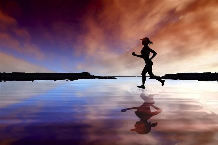 Négy évet faraghat le az életkorból a maratoni futás
