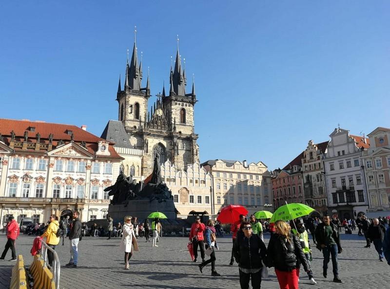 Már hatszázezer külföldi él Csehországban