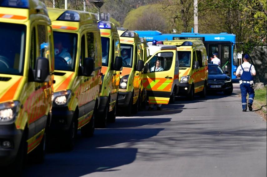 Több mint 100 fertőzött és öt halott egy fővárosi idősotthonban