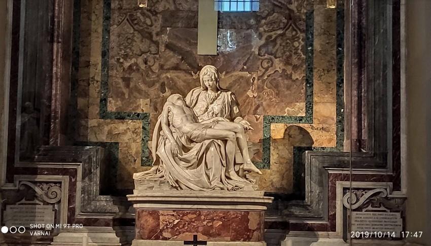 Mindent fertőtlenítettek - Újranyit a Szent Péter-bazilika