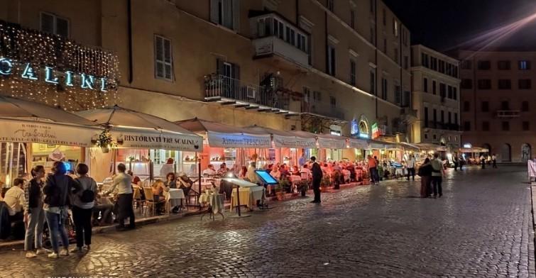 Olaszországban újranyit a kereskedelem, a vendéglátás és az idegenforgalom