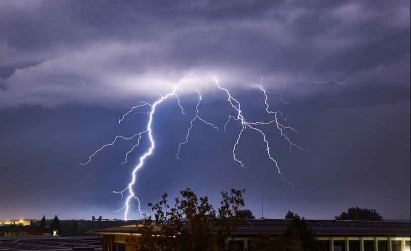 Három megye kivételével figyelmeztetést adtak ki - Itt a friss meteorológia előrejelzés péntekre