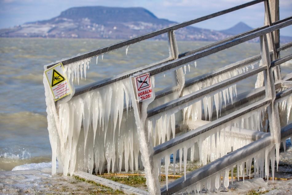 Extrém hidegre figyelmeztet a meteorológiai szolgálat - 4 megyére másodfokú a riasztás