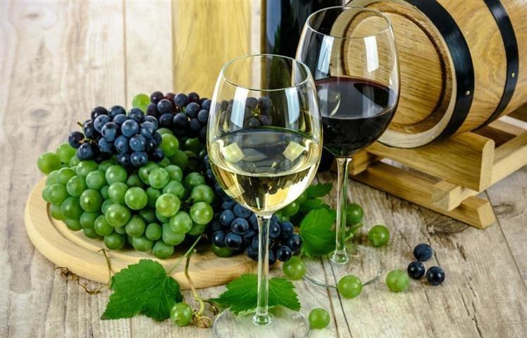 Fertőtlenítőszert készítenek az el nem fogyasztott olasz borokból