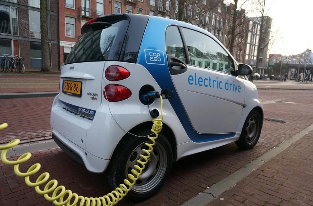 Ismét igényelhető támogatás új elektromos autók vásárlásához